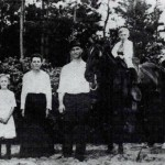 Paul Lukas Family, with horse